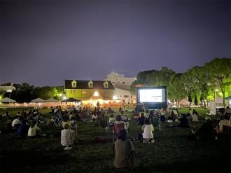 和歌山・本町公園で「Kisssh-Kissssssh映画祭」 宮川博至監督が舞台あいさつ