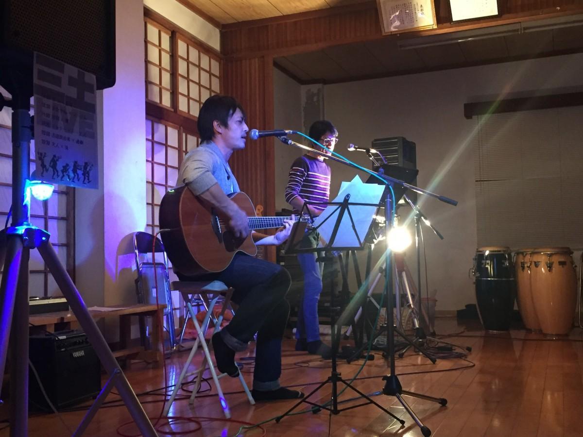 屋久島在住ミュージシャン12人がデュオで共演 組み合わせさまざま