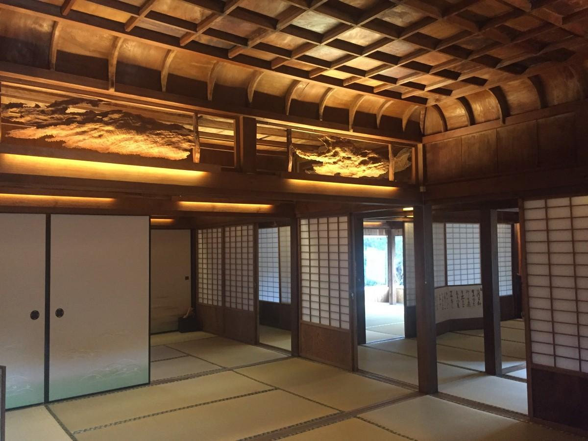 名人、寺田袈裟吉による屋久杉の折上格天井