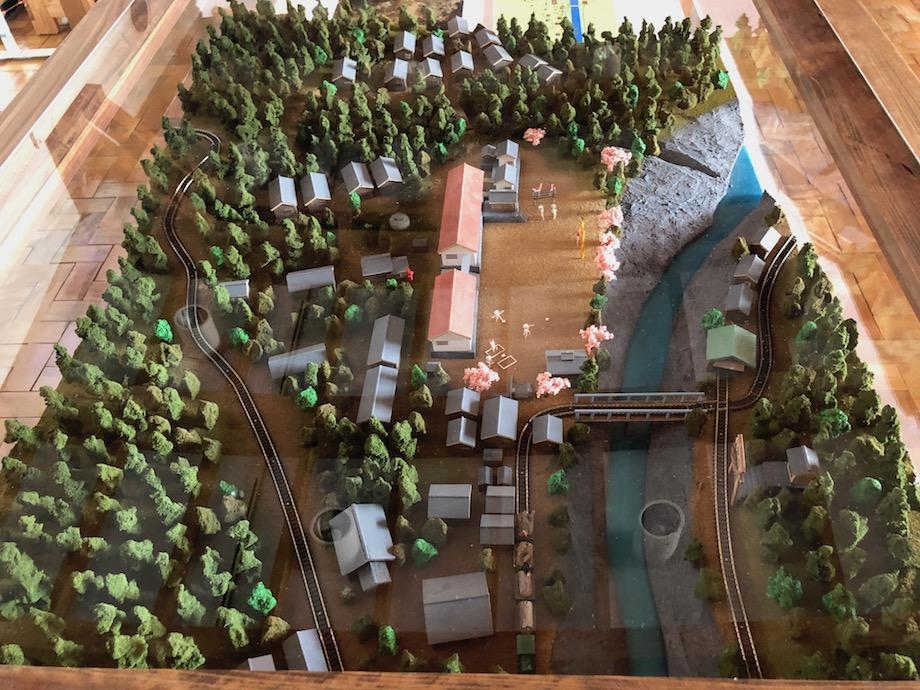 小杉谷展のために製作された小杉谷中心部のジオラマ