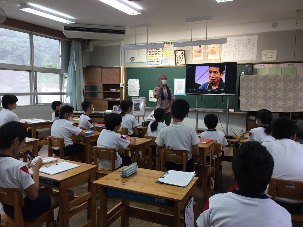 オリオン三星賞審査委員長、長井三郎さんが詩の授業を担当した