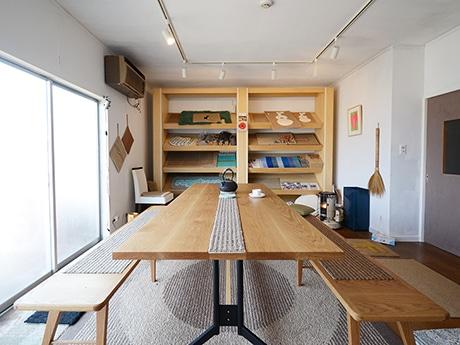 穂積繊維工業のショールーム「ユルリハナスタジオ」