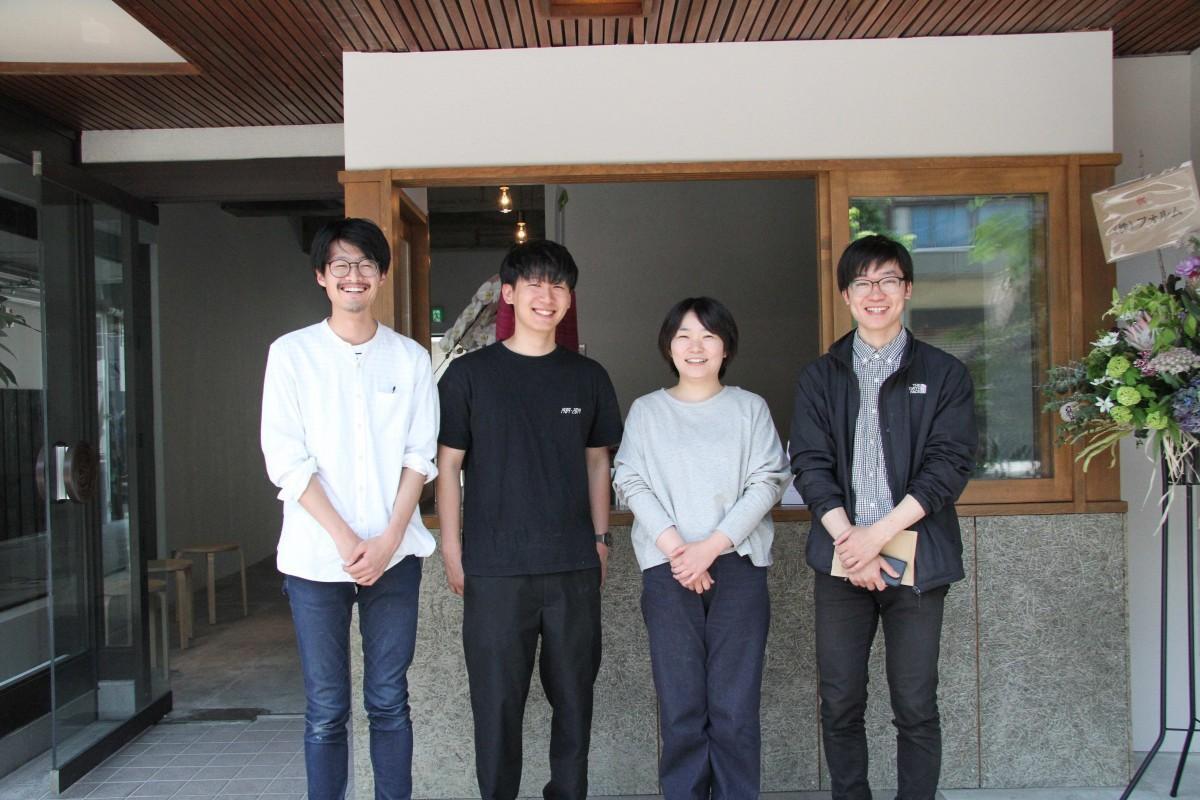企画・設計監修を担当した佐藤あさみさん(右から2人目)ら