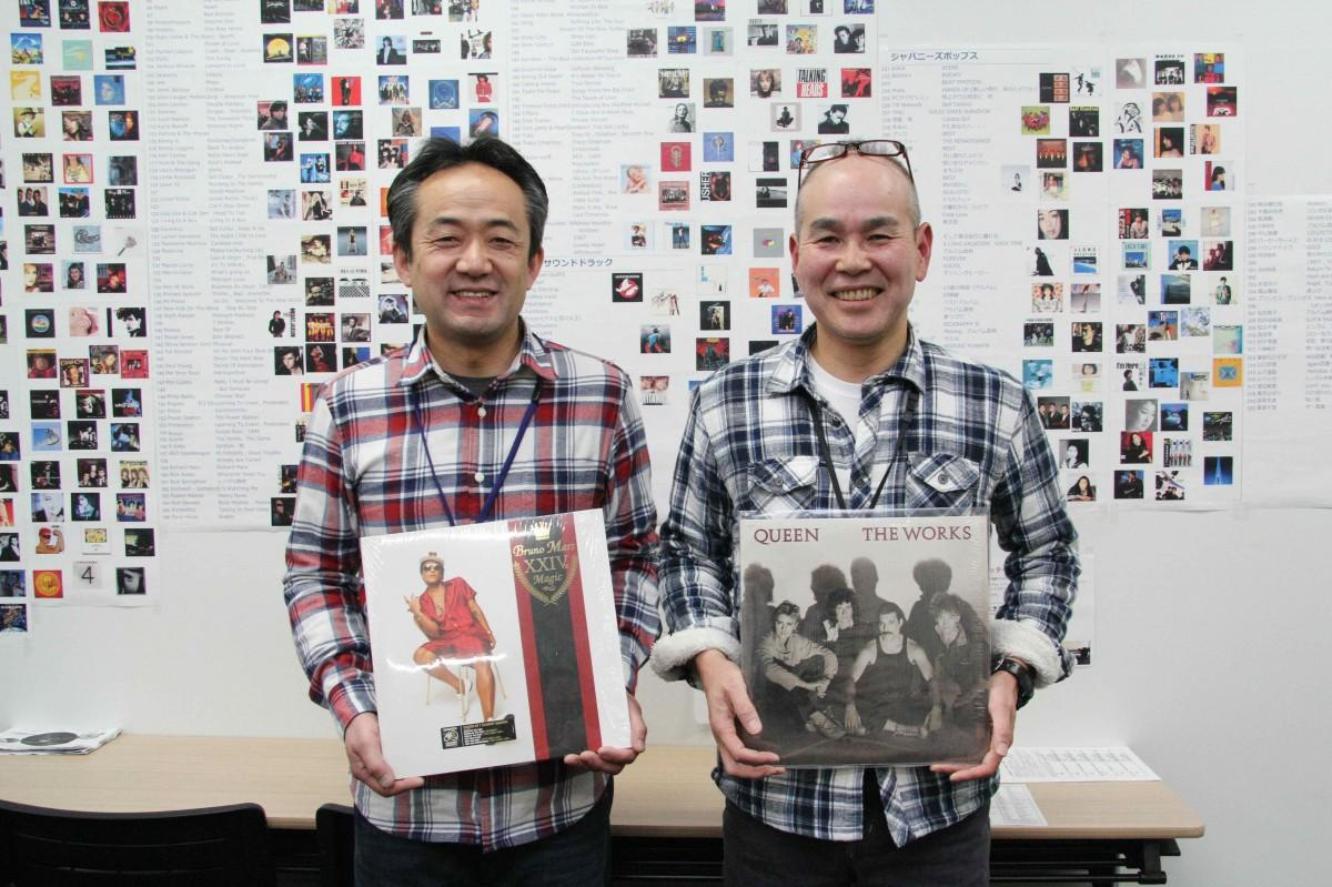 「レコードの良さを広め隊」の伊藤文也さんと兼子考さん
