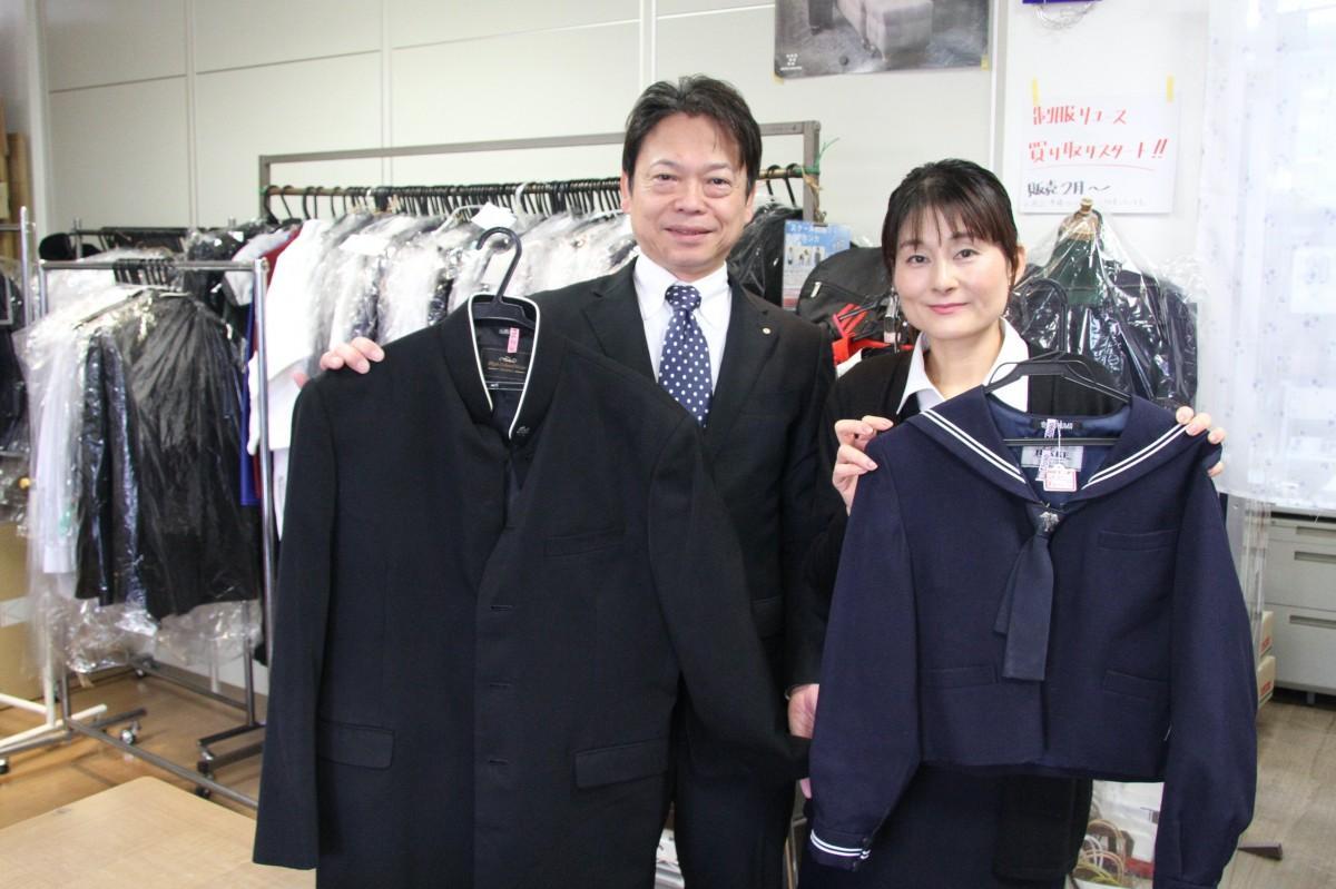 「スクール制服リユース@ブランカ」を手掛ける北日本白衣山形の佐藤社長夫妻