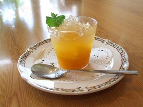 萩の夏みかんをはじめとした柑橘類を使ったゼリー「萩の宝石箱」