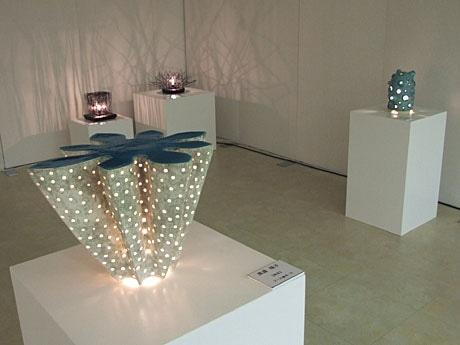 10人のクラフト作家が作った灯りが並ぶ「灯火式-クラフトの明かりを灯す」