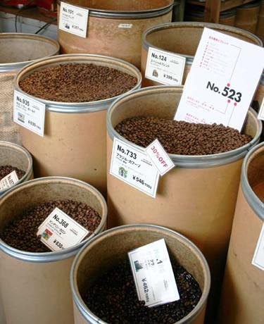 「テイスティング・パーティー」では12種類の豆をドリップして提供する。