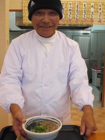 「どんぶら」の店主・磯部博文さん