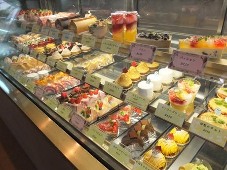 35種類のケーキが食べ放題になる「ボナペティ」のケーキバイキング