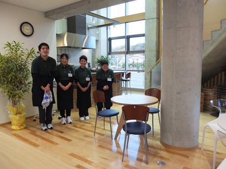 グータグカレッジ内にオープンした「バル ミエール」ではドリンクのテークアウトも可能