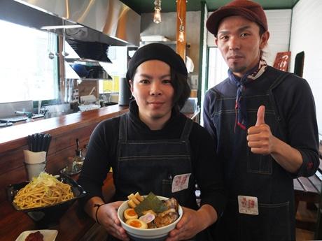 同店の中安さん(左)と野上さん