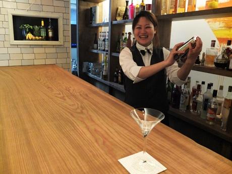 「お客さまと一緒に成長していきたい」と笑顔を見せる店主の宇都宮さん
