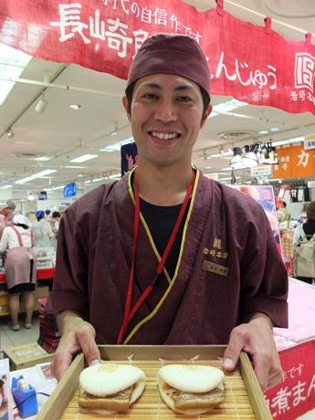 同店初出店の角煮まんじゅう専門店「岩崎本舗」