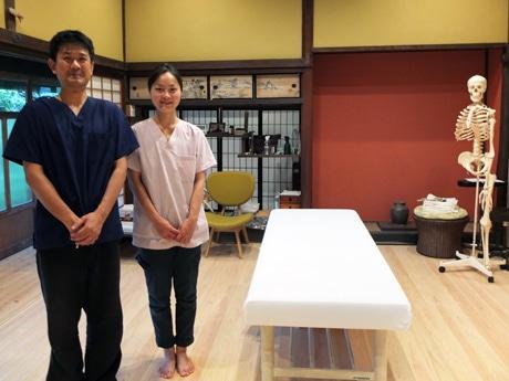 「不調を抱える人の相談に乗りたい」と藤田さんと妻・智子さん