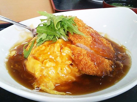 人気メニューの「天津カツ丼」
