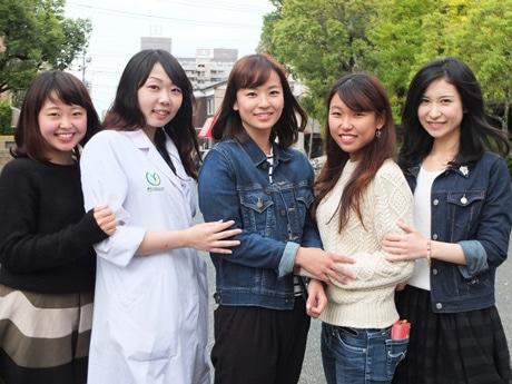 右から候補者の桑田朋子さん、苅田雅子さん、澤本真紀さん、高崎ひとみさん、井佐子真林さん