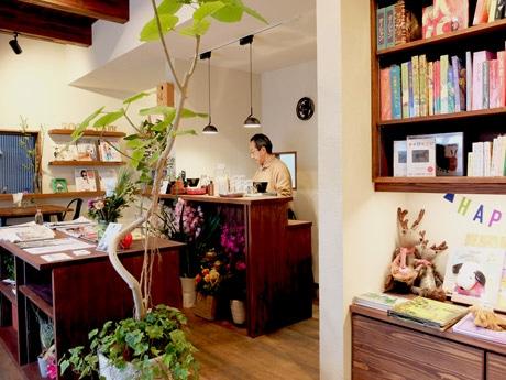 「理想の形」になったという「佐々木書店 BOOK CAFE」