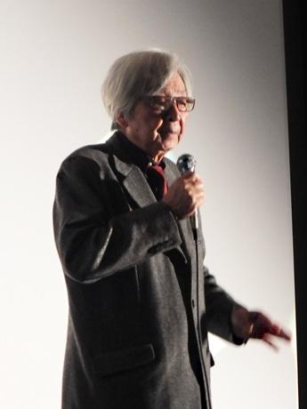 「シネマ・スクエア7」で舞台あいさつする山田洋次監督