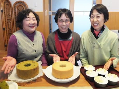 「厚東・立熊のおいしいものを発信したい」と田中さん、秋本さん、原野さん(右から)
