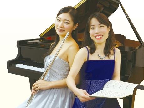 リサイタルを開催する秋元さん(左)と西村さん