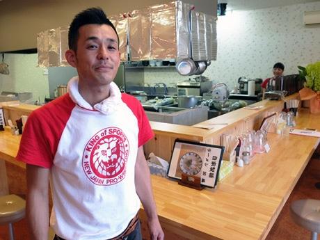 「今年で包丁は置いた」と笑う元・和食料理人の加藤さん
