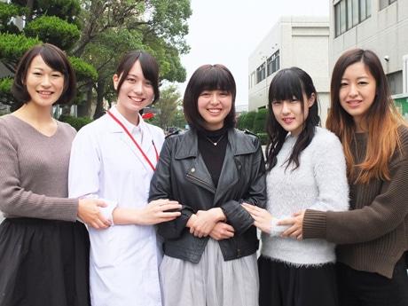 左から候補者の矢田祥子さん、坂本茉理さん、花本真実子さん、秋山紗央莉さん、山本七海さん