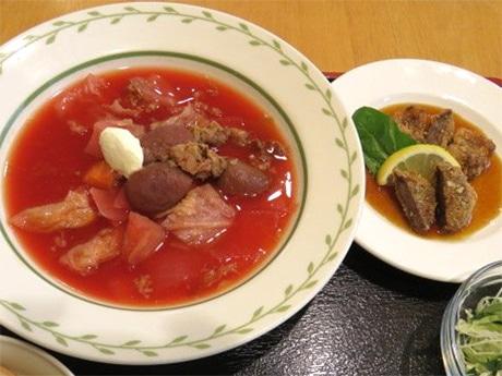 真っ赤なスープ「ボルシチ」がメイン