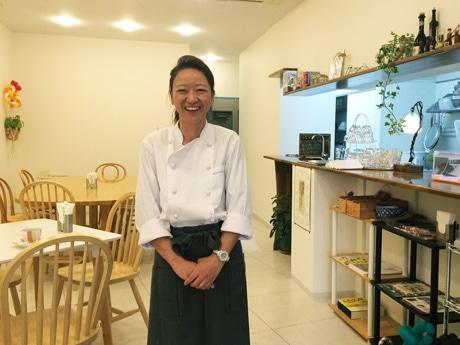 「働く人を応援したい」と店主の矢部敬子さん