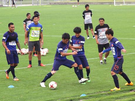 「県立おのだサッカー交流公園」(山陽小野田市)での練習の様子