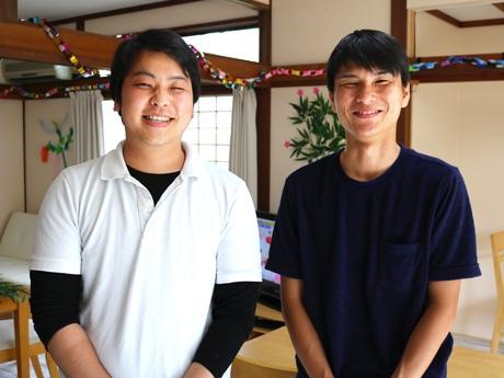 「お泊りデイサービス心」の山宮さん(左)と加治さん
