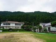 美祢・美東の廃校でフェス「暮らしと音楽」 発起人は卒業生、物販や飲食出店も
