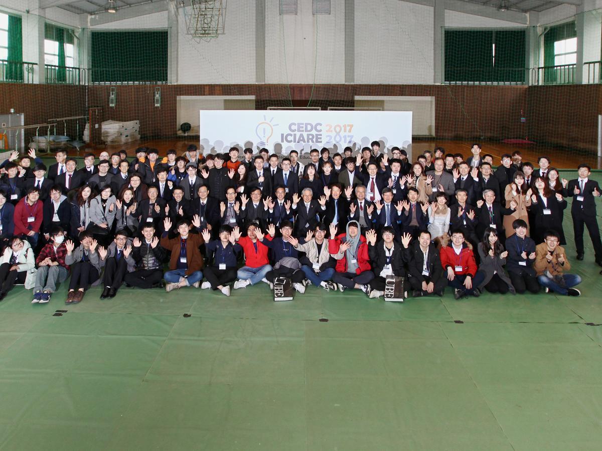 競技会には、中国や韓国の大学の学長も訪れた