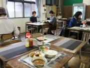 宇部の廃校で「職員室カフェ」 旧吉部小学校を活用、「給食メニュー」提供