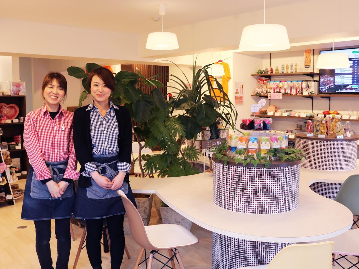 「雑貨やカフェ、レノファ山口とそれぞれのきっかけでお越しいただければ」と瀬尾店長(左)