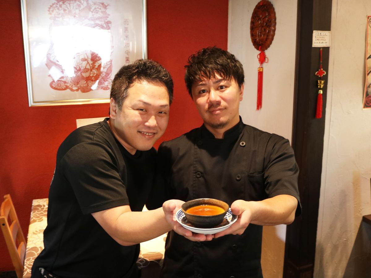 「虎の子」店主の児島さん(左)と「虎月堂」シェフの坂田さん
