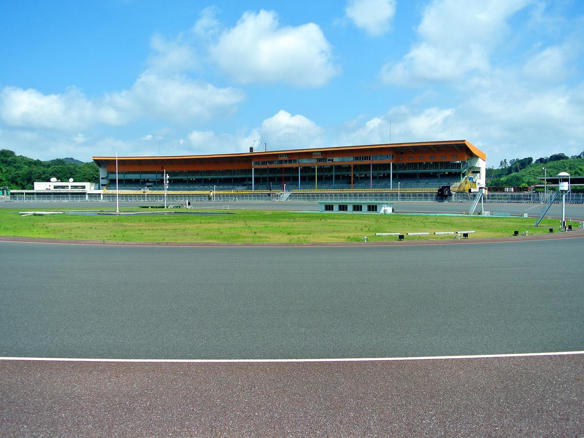 「やまぐちサイクルフェスタ」が開かれる山陽オートレース場