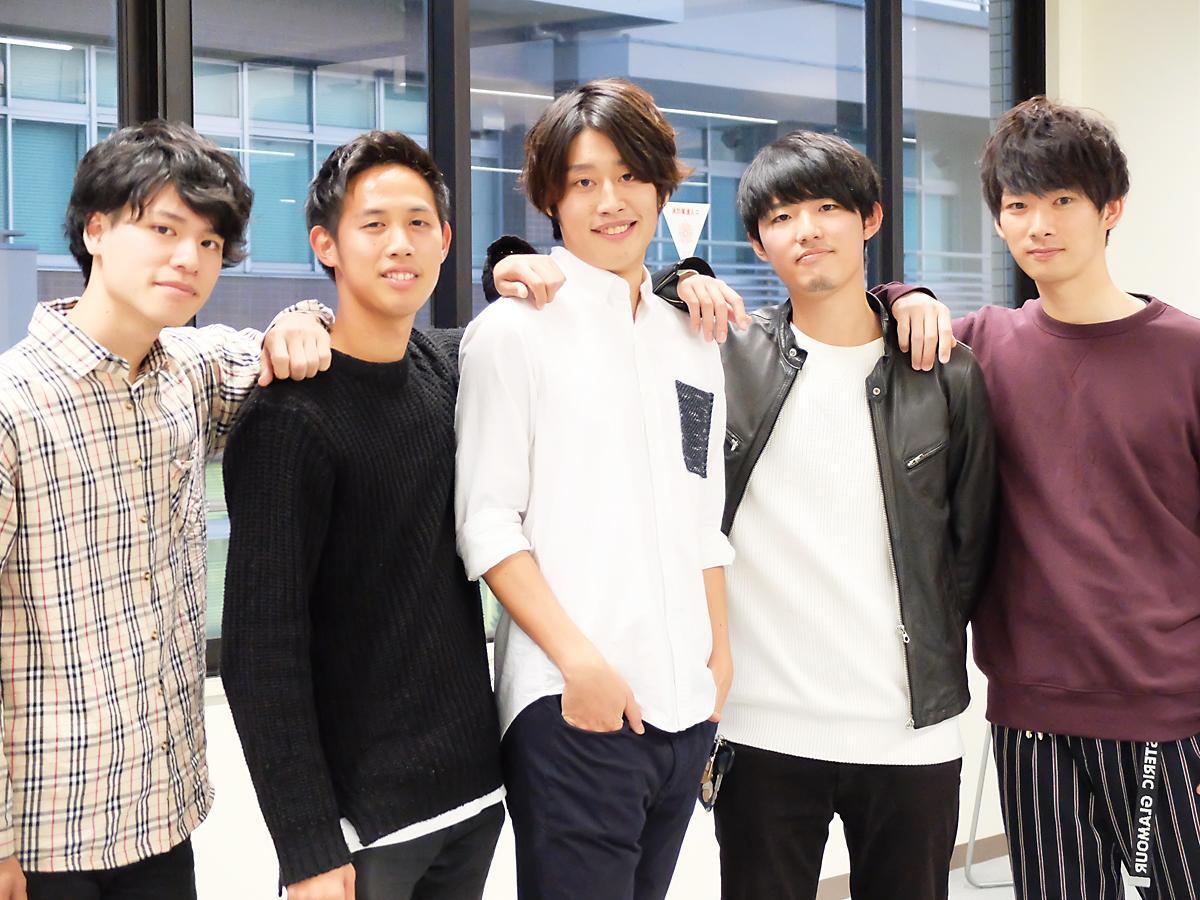 左から「ミスター山大2018」候補者の津穐さん、出口さん、西川さん、松尾さん、岡村さん