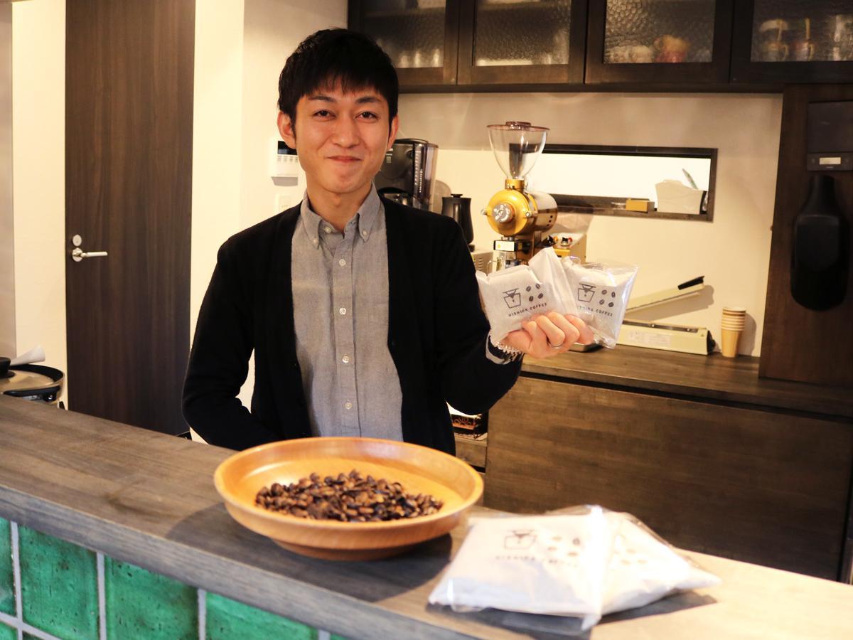 「コーヒー風呂に漬かりながらコーヒーを飲むとリラックスできる」と西田さん