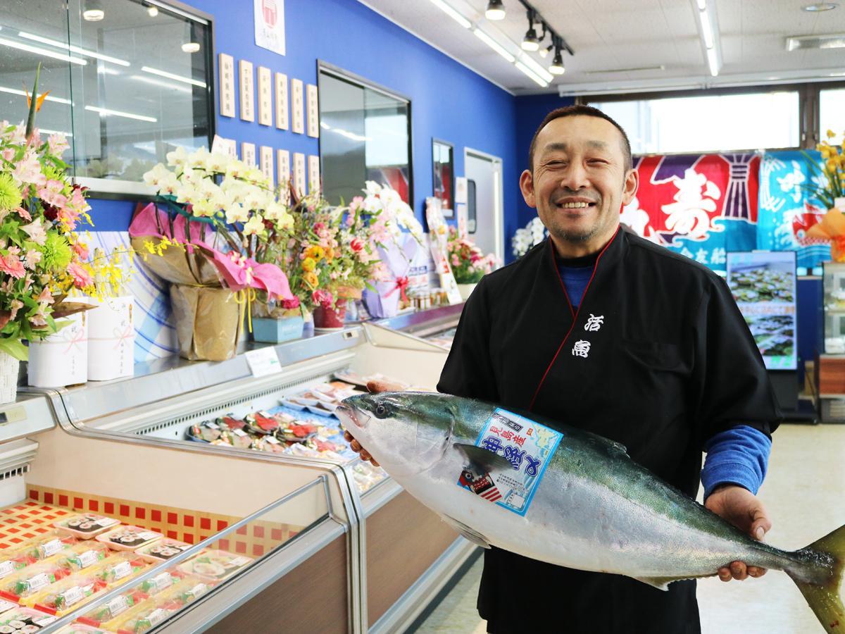 「新たな場所で、お客さまの要望にも応えながら頑張っていきたい」と青山時彦さん