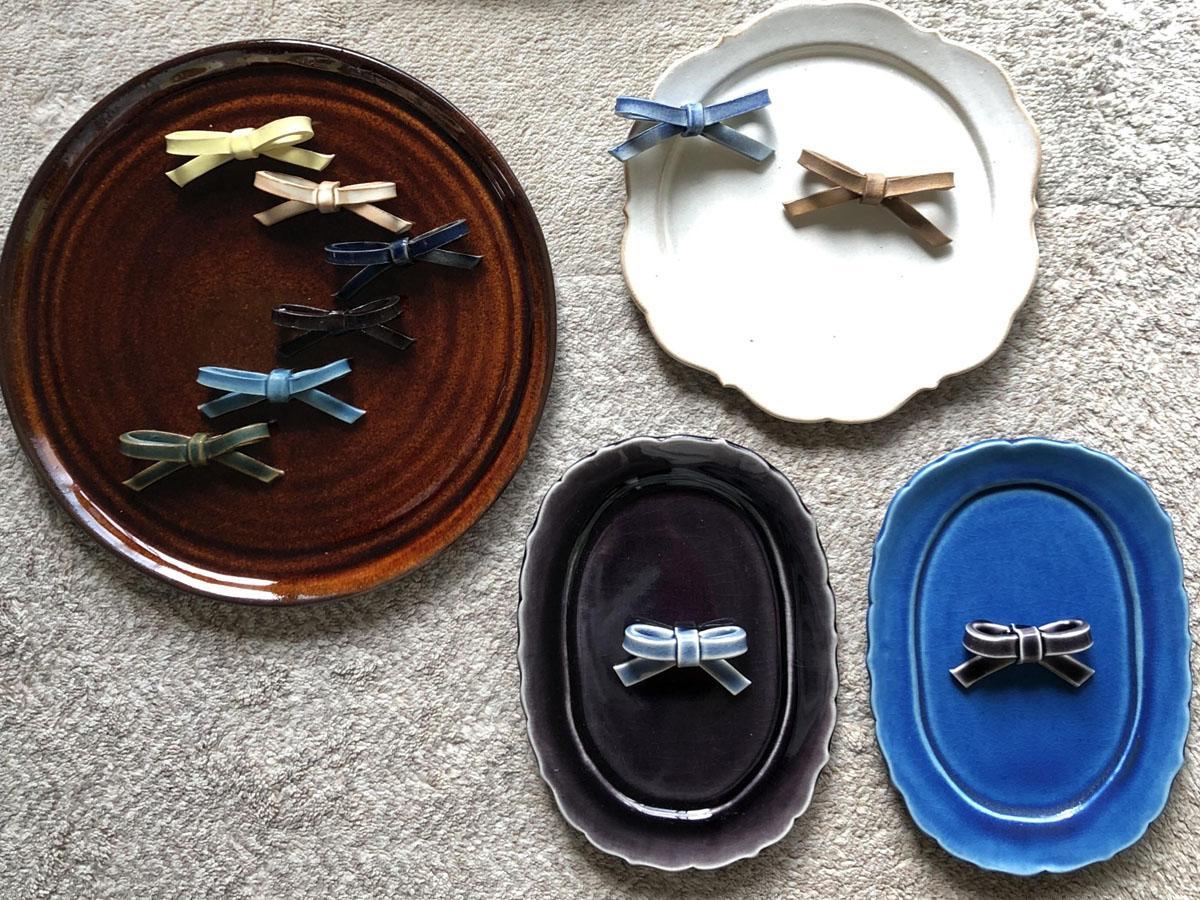 「デコア」で展示される陶芸作品(提供写真)