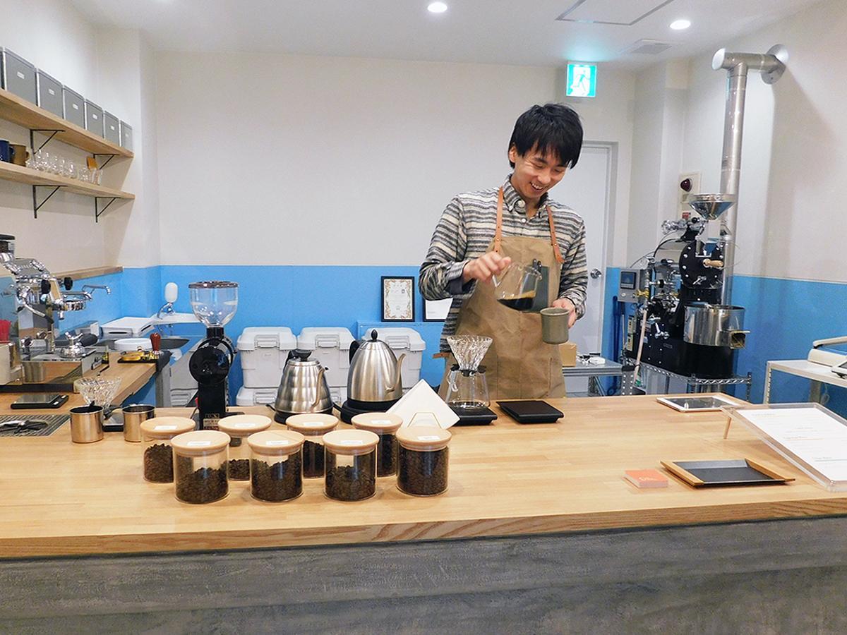 「コーヒーのある暮らしを楽しんでほしい」と話す武本直樹さん