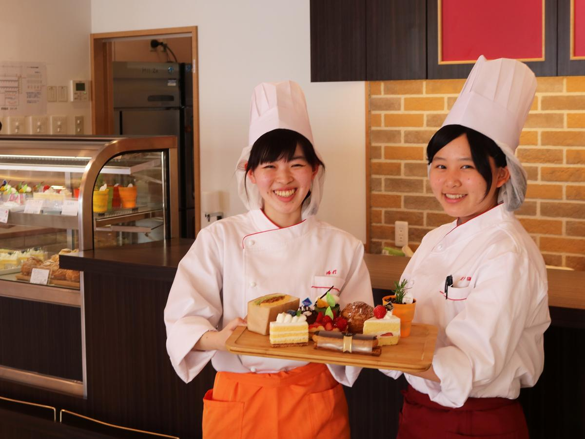 学生が運営し月に1~2回オープンする「Cafe de YIC」