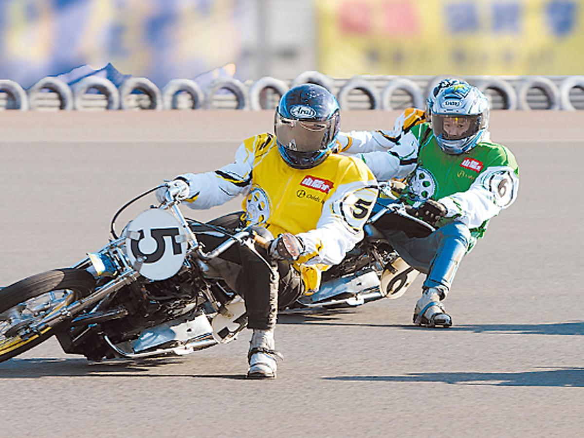 人気の「山陽オート」を見学するツアーでは、場内からレースを観戦する