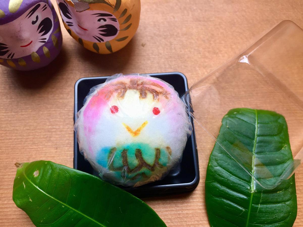 山口の和菓子店「山陰堂」が販売する饅頭「アマビエ上用」(写真提供=山口市・飛田明美さん)
