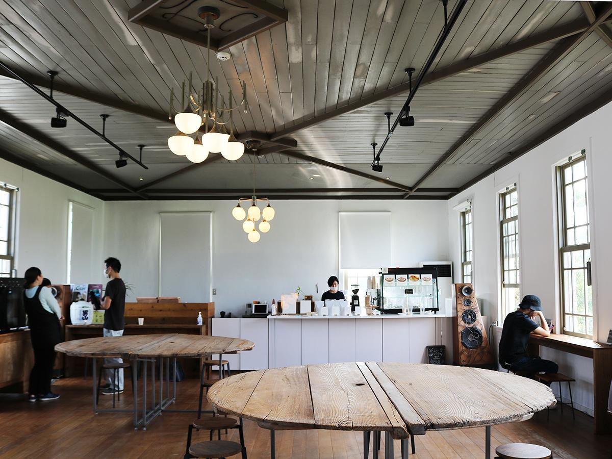 宇部の酒蔵「永山本家酒造場」2階にオープンしたカフェ