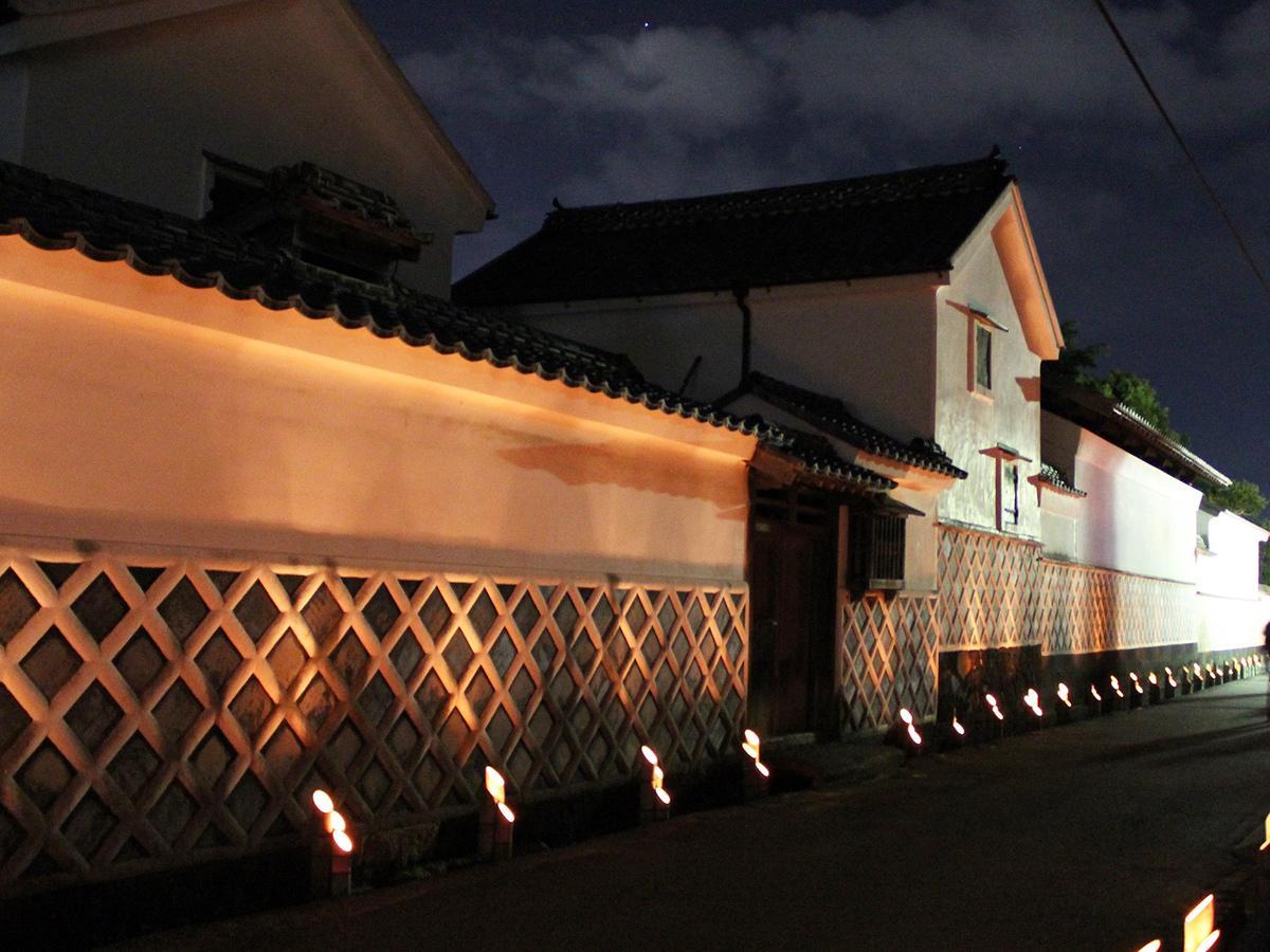 風情ある萩城下町に竹灯籠の明かりが灯る