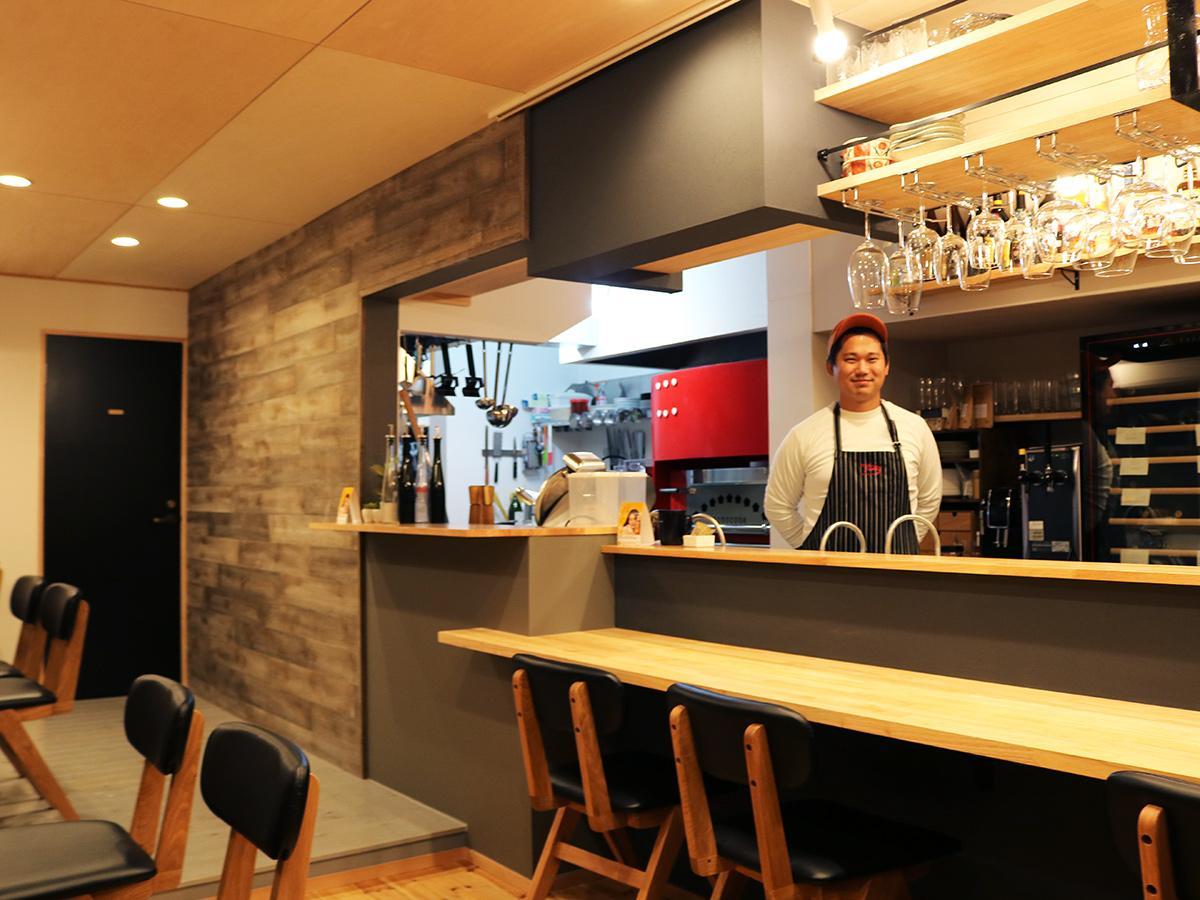 「お客さまと一緒に楽しみながら店を作っていきたい」とオーナーシェフの麻田さん