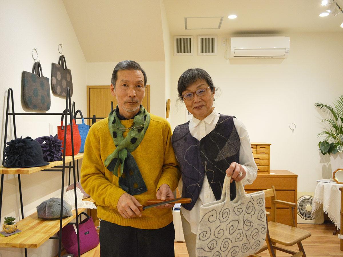 「触れてみて楽しんでほしい」と清水久勝さん(左)とまゆみさん