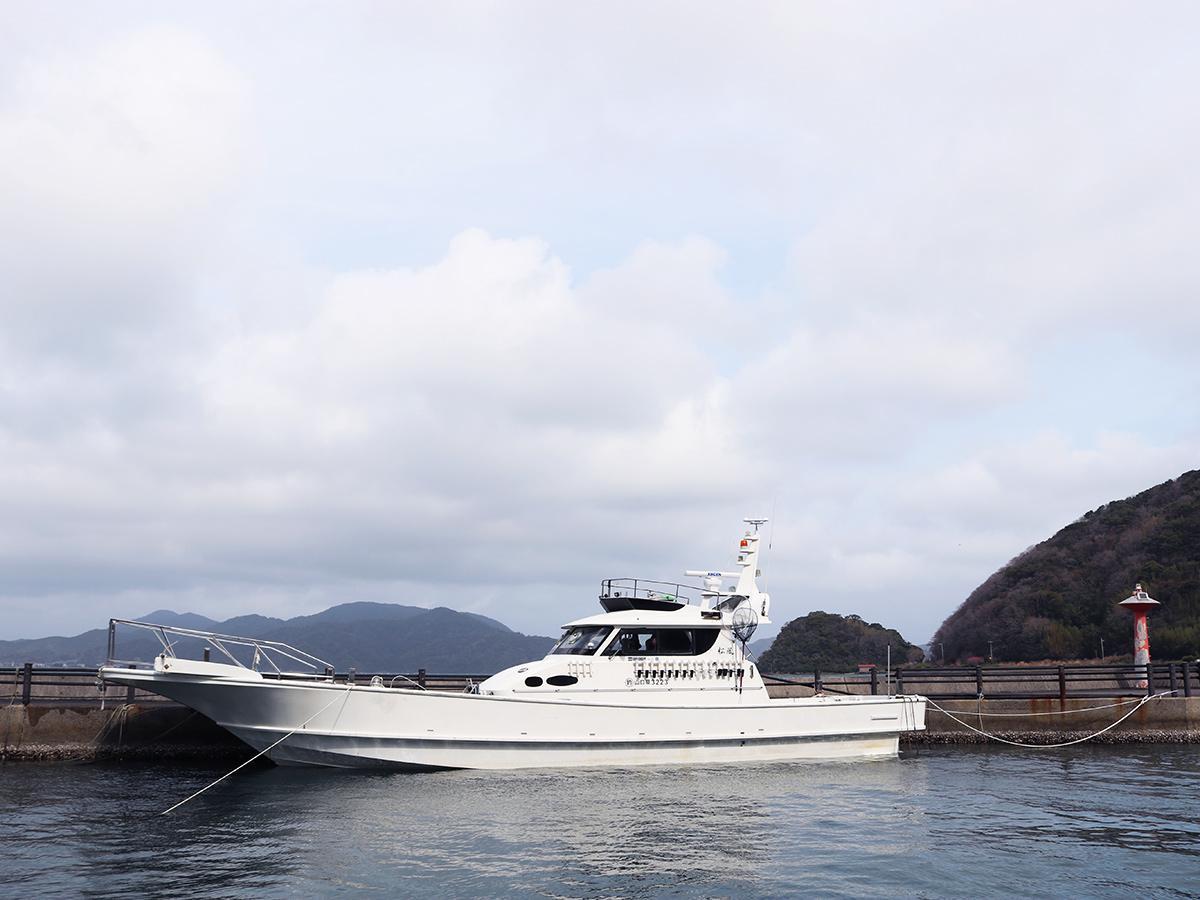 長門・フィッシャリーナ小島に停泊する「松風」